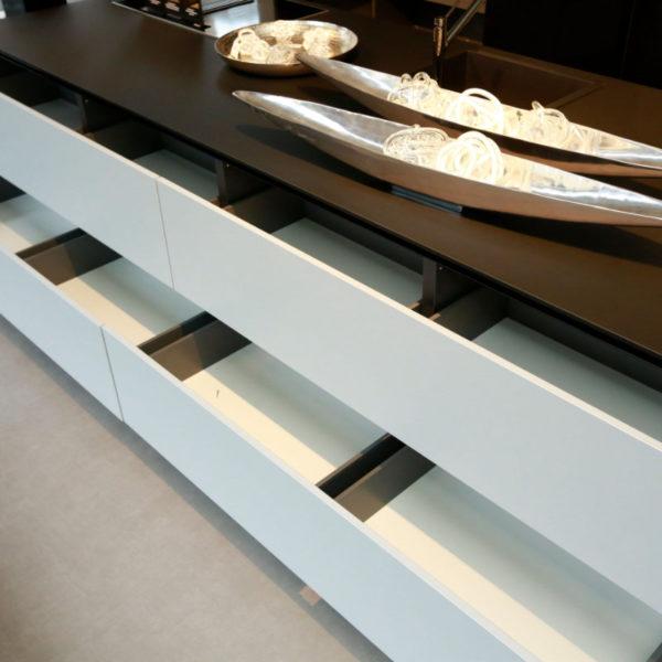 Kh Küchen Glas Schwarz Pulverlack Silbermetallic Angebot (11)