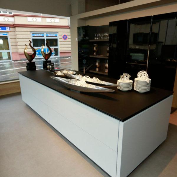 Kh Küchen Glas Schwarz Pulverlack Silbermetallic Angebot (2)