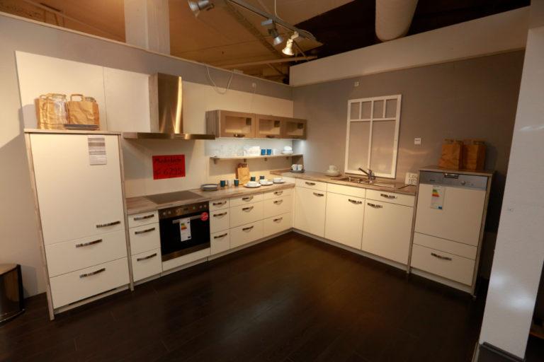 Nobilia Küche Sonderpreis Magnolie Lack (2)