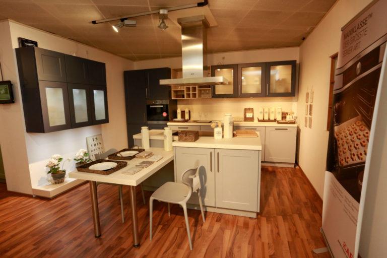 Nolte Küche Angebot Frame Papyrusgrau Blaubeere (2)