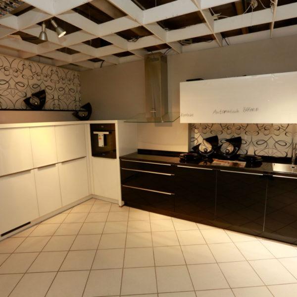 Nolte Küche Angebot Glastec Weiß Schwarz (1)