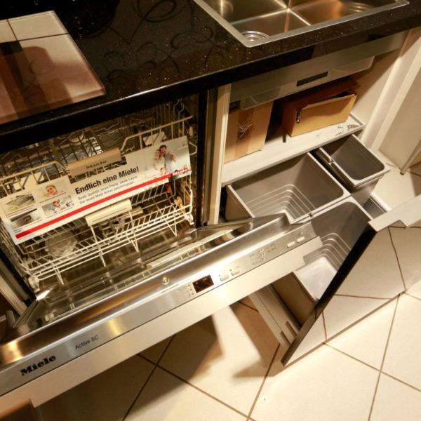 Nolte Küche Angebot Glastec Weiß Schwarz (12)