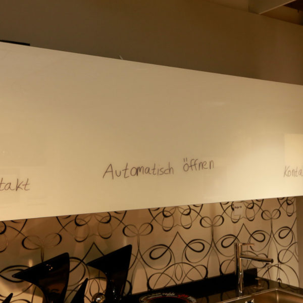 Nolte Küche Angebot Glastec Weiß Schwarz (4)