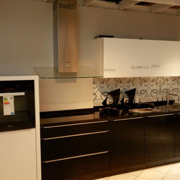 Nolte Küche Angebot Glastec Weiß Schwarz (6)