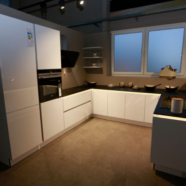 Nolte Küche Arcticweiss Hochglanz Angebot (3)