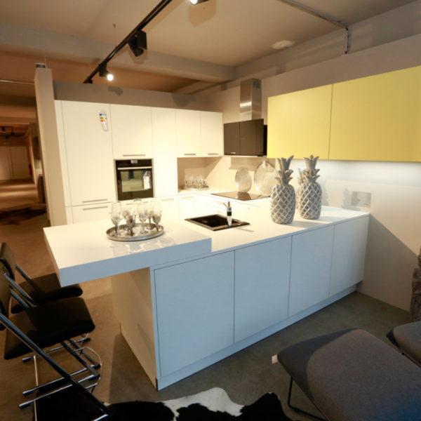 Nolte Küche Matrix 150, S19 Soft Lack Weiß Sonderangebot (3)